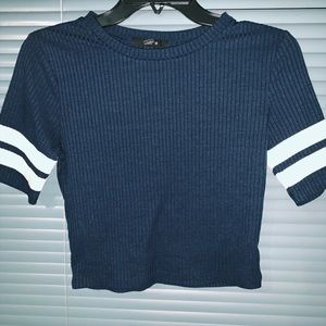 navy blue and white stripped tee